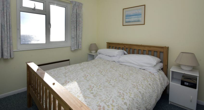 Ventnor Holiday VIllas apt bedroom,  Ventnor Isle of Wight