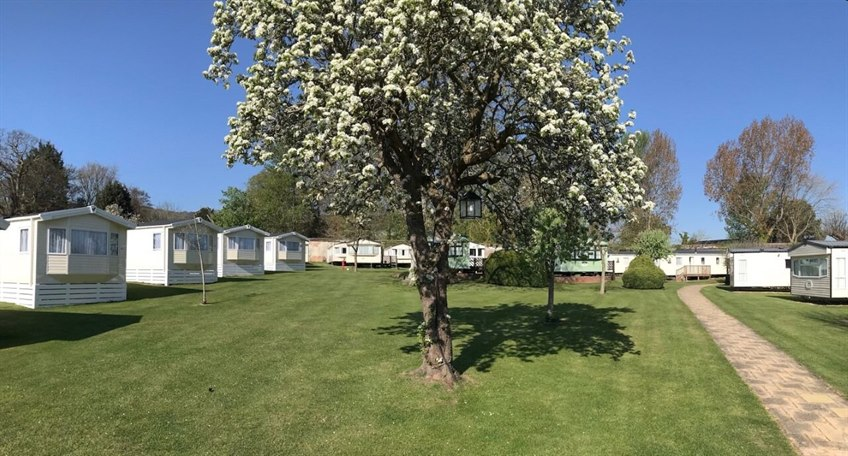 Appuldurcombe Gardens Holiday Park, Appuldurcombe Road, Wroxall, Isle of Wight, PO38 3EP