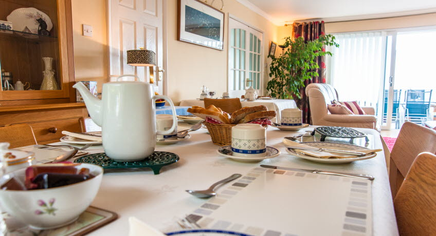 Claddagh B&B breakfast table, Bonchurch, Isle of Wight