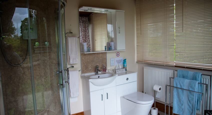 Bank Cottage shower room, Newport, Isle of Wight