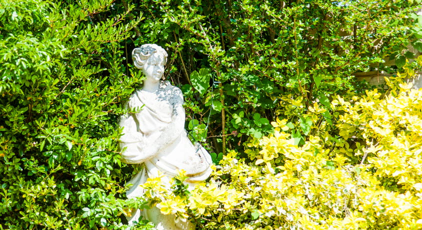 The Avenue garden statue, Shanklin, Isle of Wight