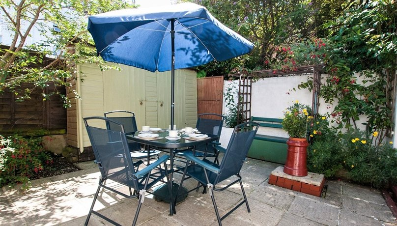 West View Holiday Cottage, Church Lane, Ryde, Isle of Wight, PO33 2NB
