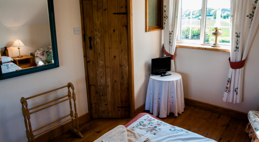 The Barn double bedroom, Merstone, Isle of Wight