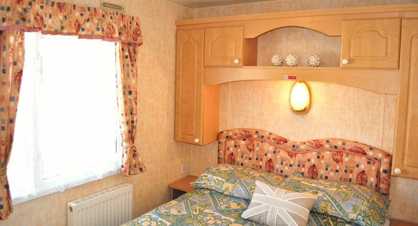 Ventnor Caravan Bedroom