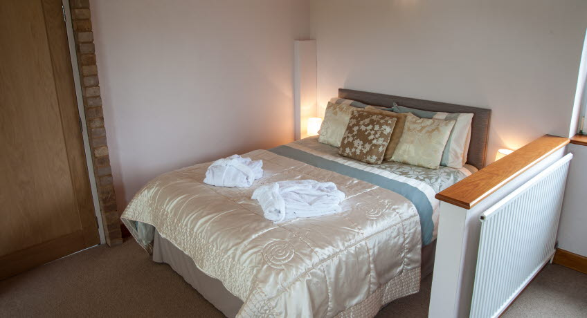 Bank Cottage double bed, Newport, Isle of Wight